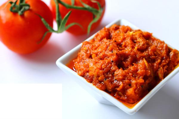 Cauliflower and Tomato Pickle